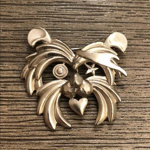 Vintage Animal Face Pin Dog Bear Lion? Star Heart